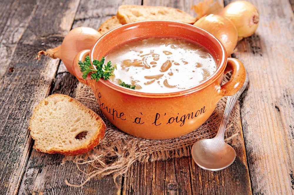 Chlebovo-cibulová polévka